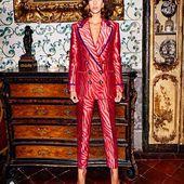 Tenemos el traje perfecto para celebrar estas fiestas que empiezan!! @sarabattaglia para @yoweworld !! Marca la diferencia💜💜💜💜💞💜💜