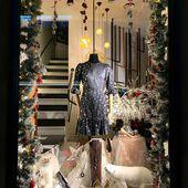 Ya llegó la Navidad a @yoweworld en la Avd de Roma #leonesp. Como siempre ,mi hermana Yoli hace que la Navidad en # yowe, brille con luz propia!!!! Deseando que vengáis a verlos!!❄️❄️❄️❄️❄️ #decoracionnavidad #escaparatesnavideños #yoweworld#leonesp #santander
