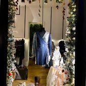 Otro escaparate de Navidad #yoweworld en la Avd de Roma . #escaparatenavidad #decoracionnavidad #regalosdenavidad #yoweworld #leonesp#santander